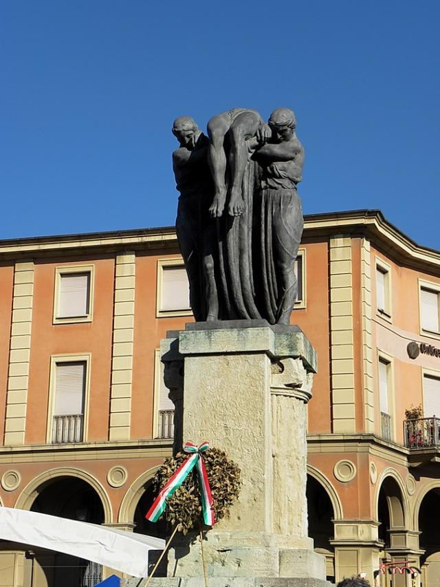Monumento ai Caduti della Prima Guerra Mondiale Piazza Ganganelli - Santarcangelo di Romagna 18-05-2014
